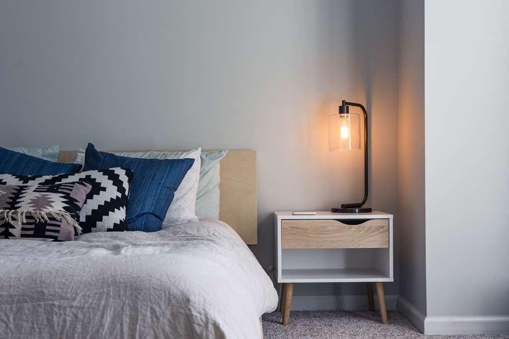 תאורה פינתית בחדר שינה